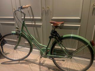 Bicicleta tipo Holandesa con sillín Brooks