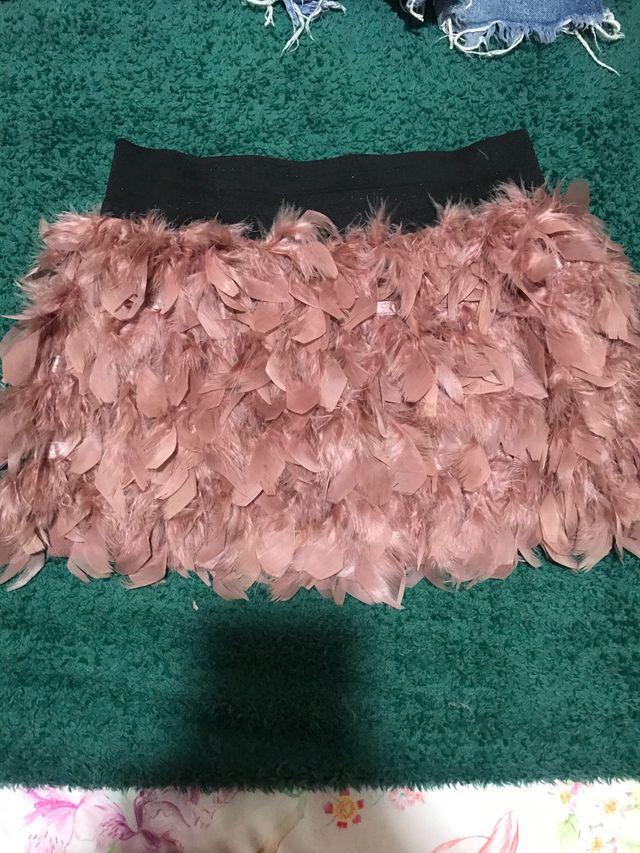 Falda plumas rosa