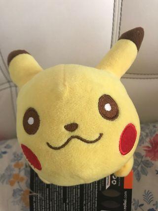 Pikachu peluche