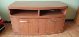 Mueble de televisión con estantería