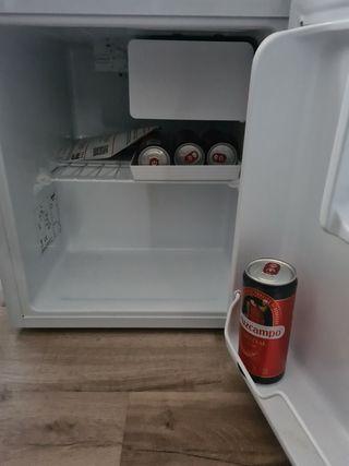 Mini frigorifico con congelador Kunft
