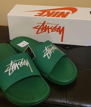 Chanclas Nike x Stüssy Verdes