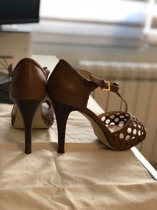 Sandalias de piel marron