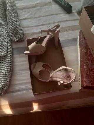 Sandalias en color nude