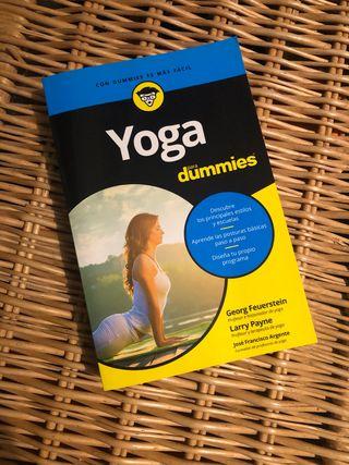 Libro Yoga para dummies.