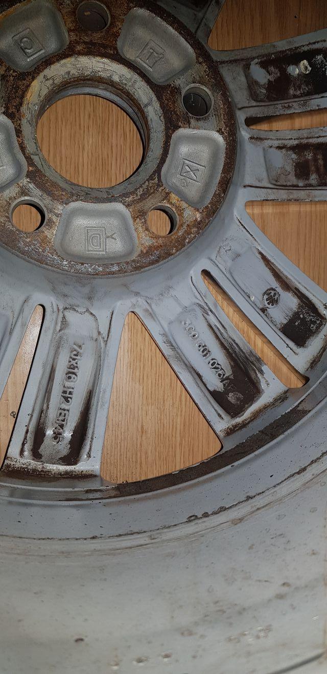 Llanta Volkswagen passat 16 pulgadas