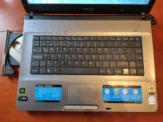 Portatil Sony Vaio con Windows 7 y 4Gb de RAM