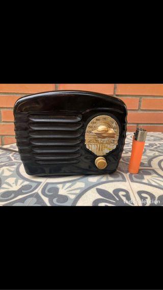Radio antigua miniatura Arvin 442 metal. No pro
