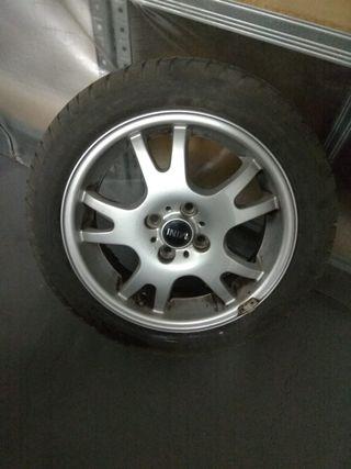Llantas Mini Cooper con neumáticos de invierno