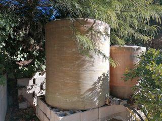 Depósitos de agua de fibra de vidrio.