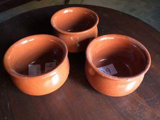 Cazuelas de barro artesanas.
