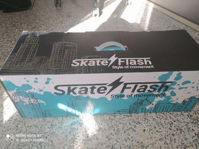 Hoverboard estampado comic con sillín