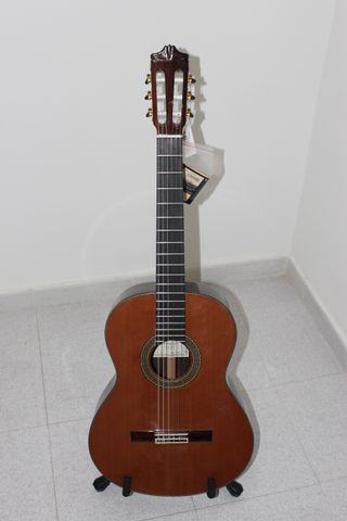 Guitarra Alhambra 9P
