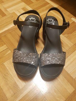 Sandalias Negras de Fiesta con Tacón