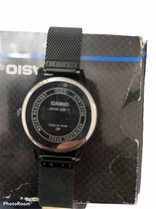 Dos relojes de marca