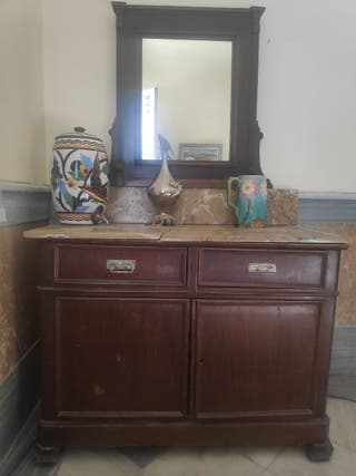 Mueble antiguo, cómoda, auxiliar...