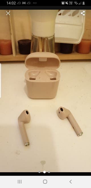 pink ear pods
