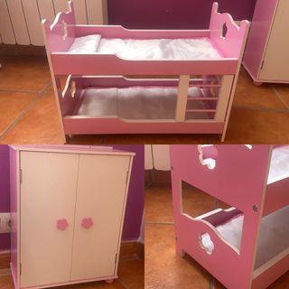 Cuna para muñecas de madera y armario