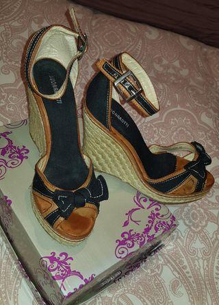 sandalia de cuña ..talla 38