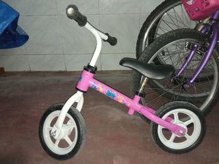 bicicleta niña, sin pedales