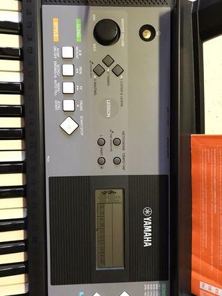 Órgano Yamaha PSR 233