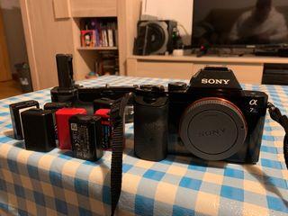 Sony A7S + Meke Grip + 7 baterías