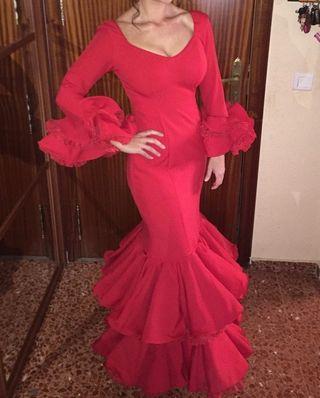 Vestido de Gitana color rojo. Talla 40.