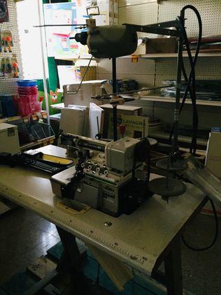 Máquina de coser Owerlock marca juki