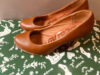 Zapatos tacón alto marrón claro