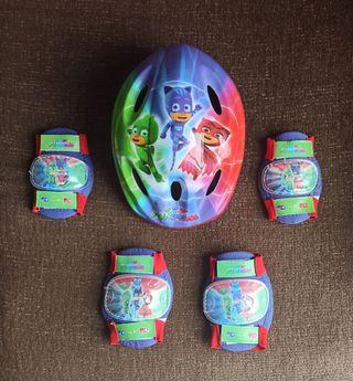 Mochila con casco y protecciones PJ MASKS