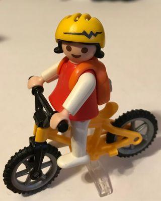 Playmobil niña con bicicleta de montaña