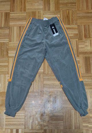 Pantalón Adidas Challenger talla unisex