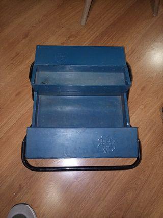 Caja herramientas antigua