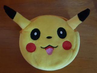 Monedero de Pikachu de peluche