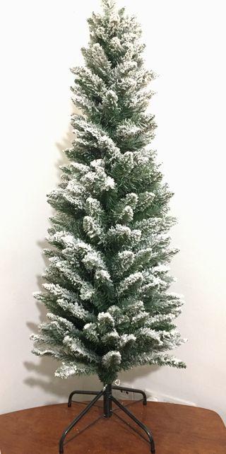 Árbol de navidad nevado slim