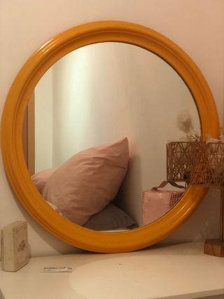 Espejo redondo amarillo