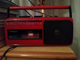 radio grabadora y reproductora de casettes retro