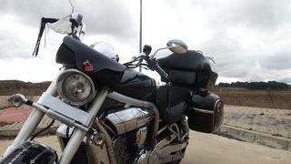 Moto Hyosung Aquila GV650.
