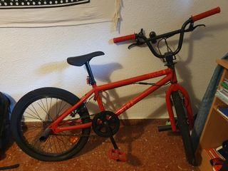 Bicicleta de Trial. 2 usos.Nueva