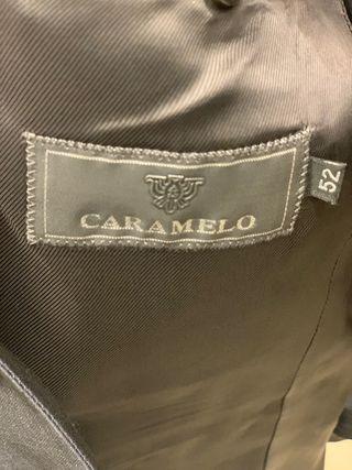 TRAJE DE CARAMELO TALLA 52 GRIS. VER REGALO