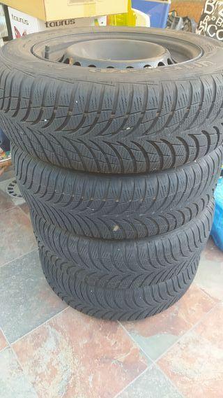 4 neumáticos Good Year de invierno 195/65R15 91T