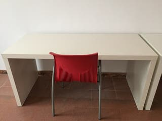 Mesas de escritorio.