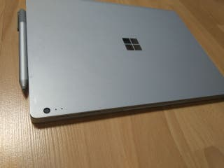 Microsoft Surface book 1a Gen.