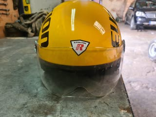 se vende casco de moto R-evolution.