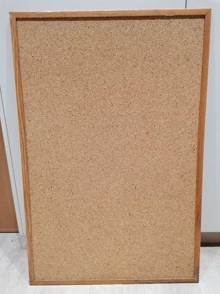pizarra de corcho de pared con marcó de madera