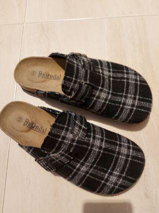 zapatillas zuecos hombre