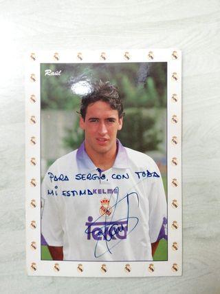 postal firmada por Raúl del Real Madrid