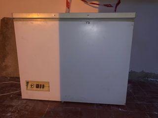 Arcón Congelador 255 litros ROMMER