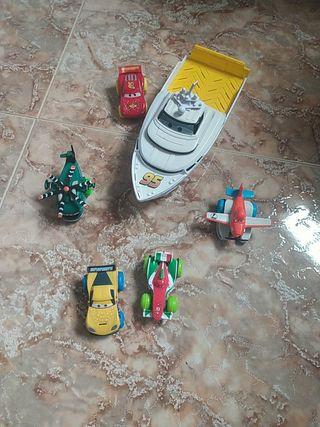 """set de juguetes para el baño de """"Cars"""" y """"aviones"""