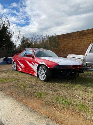 Nissan Skyline r33 drift